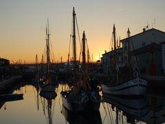 Visita al presepe sulle barche al tramonto - Cesenatico-(FC). by <b>Giovanni-Casadio</b> ( a Panoramio image )