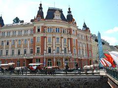 Stredni skola verejnopravni + Posta 1 - Karlovy Vary by <b>Pepino</b> ( a Panoramio image )