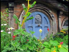 it was a hobbit-hole, and that means comfort. by <b>Lana Kuznetsova</b> ( a Panoramio image )