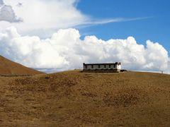 House on a hill by <b>beth carpel</b> ( a Panoramio image )