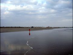 Red Spot on the Beach  ....{by Bassam} by <b>~Bassam</b> ( a Panoramio image )