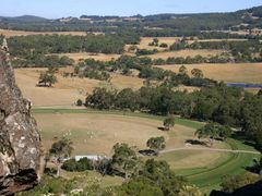 hanging rock sunday afternoon by <b>omaui</b> ( a Panoramio image )