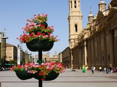 Zaragoza, Plaza Nuestra Senora del Pilar  by <b>Christos Theodorou</b> ( a Panoramio image )