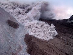 Pyroclastic flow in progress by <b>William Stephens</b> ( a Panoramio image )