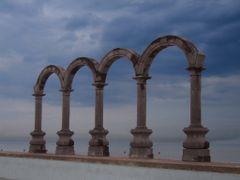Los arcos de Puerto Vallarta, Jalisco, Mexico by <b>? ? galloelprimo ? ?</b> ( a Panoramio image )