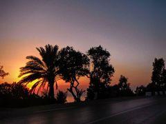 coucher de soleil sur la corniche de jijel by <b>aissam1115</b> ( a Panoramio image )