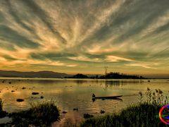 AFTERNOON SKY AT LOKTAK.. by <b>Devendra_Hijam</b> ( a Panoramio image )