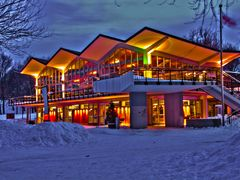 """CHALET LAC DE CASTOR, PARC MONT-ROYAL _ BEAVER LAKE""""S CHALET, PA by <b>Maurice Haddad</b> ( a Panoramio image )"""