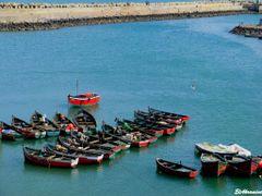 Boats in  El  Jaddida by <b>elakramine</b> ( a Panoramio image )