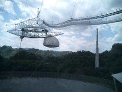 Arecibo - Observatorio Radioastron?mico [mar 08] by <b>?y?</b> ( a Panoramio image )