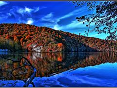 © • Plitvice Lakes to autumn by <b>Dezso Biczo ©</b> ( a Panoramio image )