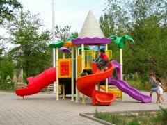 Playground for children on the Boulevard of Cosmonauts / Детская by <b>Tikhon Butin</b> ( a Panoramio image )
