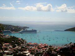 Sentirse como el paisaje es una forma de libertad--Color y forma by <b>AnaMariaOss</b> ( a Panoramio image )