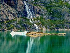 one of the many waterfalls by <b>patano</b> ( a Panoramio image )