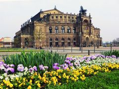 Semperoper Dresden by <b>kurt Oblak</b> ( a Panoramio image )