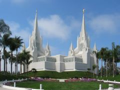 San Diego Temple - Church of Jesus Christ of Latter-day Saints by <b>goldnberyl</b> ( a Panoramio image )