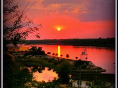 Sunset over the Danube by <b>zaro1965</b> ( a Panoramio image )
