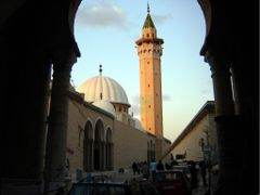 mosquee de monastir composee by <b>msadek rached–msr@-?</b> ( a Panoramio image )