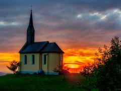Kapelle im Abendlicht. / Chapel in the evening light. by <b>Reiner Vogeley</b> ( a Panoramio image )