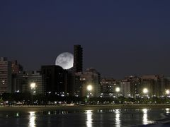 ? - Young Moon - ? - Moonlight Shadow by <b>Sergio Delmonico</b> ( a Panoramio image )
