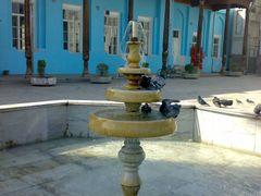 Pigeons bathing at the fountain - Голуби, купающиеся в фонтане by <b>KPbICMAH</b> ( a Panoramio image )