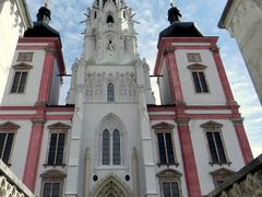 A bazilika. by <b>venordas</b> ( a Panoramio image )