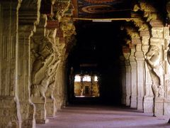 Meenakshi Temple, Tamil Nadu 1987 by <b>suila</b> ( a Panoramio image )
