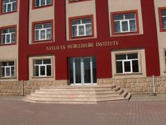 NAHCIVAN MUALLIMLER ENSTITUSU by <b>Ahmet Ozdogan</b> ( a Panoramio image )