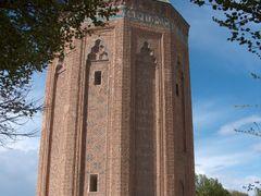 MUMINE HATUN TURBESI 01 - NAHCIVAN by <b>Ahmet Ozdogan</b> ( a Panoramio image )