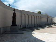 NAHCIVAN - KARABAGDA SEHIT OLAN ASKERLER SEHITLIGI 02 by <b>Ahmet Ozdogan</b> ( a Panoramio image )