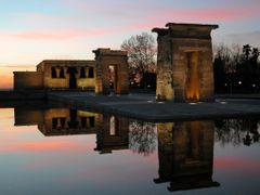 MADRID (Templo de Debod) by <b>Carlos Sieiro del Nido</b> ( a Panoramio image )