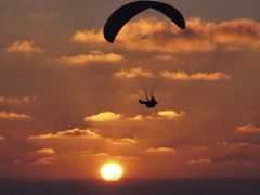 Paragliding La Jolla2 by <b>mkfairdpm</b> ( a Panoramio image )