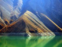 Alborz - Karaj - Amir Kabir Lake by <b>Alireza Javaheri</b> ( a Panoramio image )