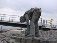 Standbeeld op Afsluitdijk by <b>Guido Musch</b> ( a Panoramio image )