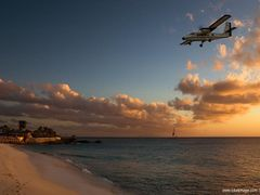 Twin Otter by <b>Lukas Novak</b> ( a Panoramio image )