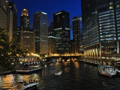 Chicago river / Magnificient Mile @ night  by <b>Antoine Jasser</b> ( a Panoramio image )