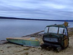 Fishermans shed on the Yenisey. by <b>peteaholbrook</b> ( a Panoramio image )