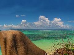 "SEY La Digue isl. Anse Source d"" Argent (Praslin isl.) [Leeniefo by <b>KWO Tsoumenis</b> ( a Panoramio image )"