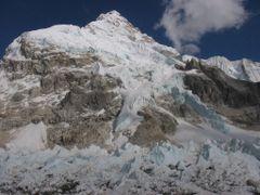 Nuptse and Khumbu glacier by <b>tetsuya223</b> ( a Panoramio image )