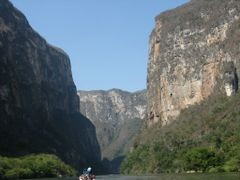 """Chiapas"""" Coat of Arms by <b>Natalya Lawrence_AntiguaBreeze</b> ( a Panoramio image )"""
