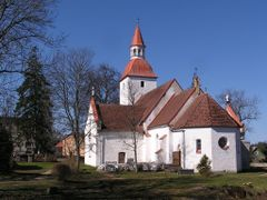 Laurentsiuse kirik Kuusalus (14. saj) by <b>Uku Praks</b> ( a Panoramio image )