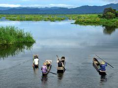 The Boatmen of Loktak Lake by <b>Samsul Huda Patgiri</b> ( a Panoramio image )