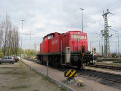 Rangierlok 295 100 am Bahnhof Alte Suderelbe - Altenwerder, Hamb by <b>trigonal</b> ( a Panoramio image )