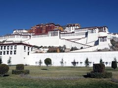 Potala Palace, Lhasa-Tibet by <b>Wind Rider</b> ( a Panoramio image )