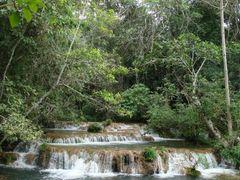 Cachoeira no Rio Mimoso junto a Parque das Cachoeiras em Bonito  by <b>Paulo Yuji Takarada</b> ( a Panoramio image )
