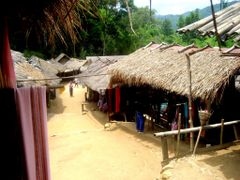 Little village in the mountains. by <b>Thai pix Wildlife ph…</b> ( a Panoramio image )