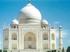 Panoramica del Mausoleo del Taj Mahal. Agra. India. by <b>Maria Fernando</b> ( a Panoramio image )