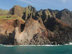 Na Pali Coast - 200804 by <b>Larry Workman QIN</b> ( a Panoramio image )
