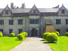 Ormond Castle, Carrick On Suir, Co. Tipperary. Built after 1565  by <b>© Alan L.</b> ( a Panoramio image )
