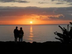 "Makahoa (Bal""i Hai) Sunset - 200804 by <b>Larry Workman QIN</b> ( a Panoramio image )"